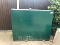 Green 1000 litre Metal Oil Tank Only Used For 4 Months