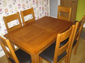 Solid Wood Extending Table and 6 Chairs