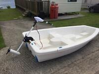 lake boat 3 person with electric outboard