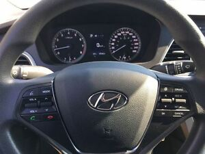 2016 Hyundai Sonata 2.4L GL/ALMOST NEW!/CLEAROUT!!/PRICED FOR A  Kitchener / Waterloo Kitchener Area image 17
