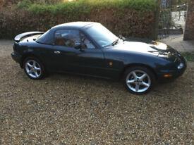 1993 Mazda Eunos. Super Running Order. Low Mileage. Green Body. Cream Leather Interior. Hard Top.