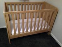 Mamas and Papas Alten Cot Bed