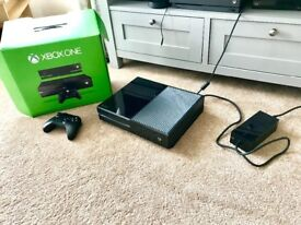 Xbox One Console and Controller [500GB] Excellent Condition.