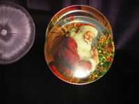 8 x Santa / Father Christmas charger plates / serving trays