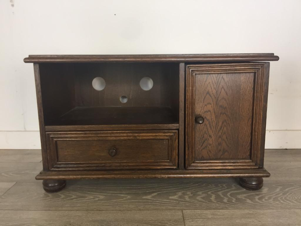 Antique style dark oak tv cabinet perfect for painting