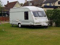 FOR SALE A LOVELY CLEAN DRY 2 BERTH CARAVAN