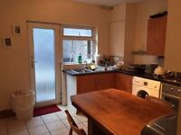 ** CHEAP DOUBLE ROOM WITH PRIVATE BATHROOM** available now 3 min walk from the station