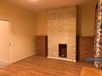 2 bedroom flat in White Hart Lane, London, N17 (2 bed) (#1006152)