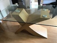 Glass Dining table in very good condition