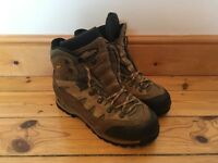 MENS MEINDL GORE-TEX WALKING/HIKING BOOTS - SIZE 10