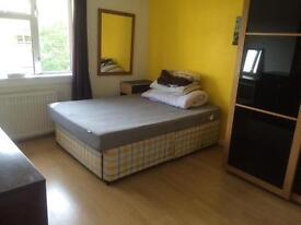 Spacous Room for rent for 1 person Including all bills