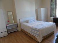 LARGE DOUBLE ROOM CLOSE TO CITY & UNI. AVAILABLE FROM MAY 2018. COUPLE WELCOME