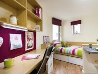 STUDENT ROOM TO RENT IN KINGSTON. OWN ROOM, DOUBLE BED, STORAGE, TV, FITTED KITCHEN, STUDY AREA