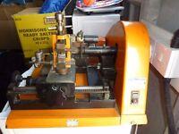 Mancuna 800 GT Key Cutting Machine