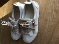 Ladies trainers size 6
