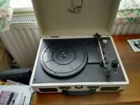 Reka vintage turntable with MP3 converter