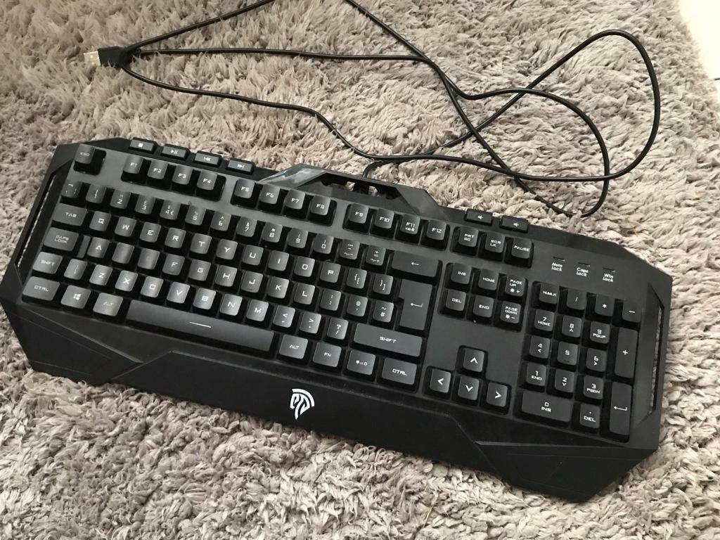 EasySMX Wired Membrane Gaming / Fortnite Keyboard | in Croydon, London |  Gumtree