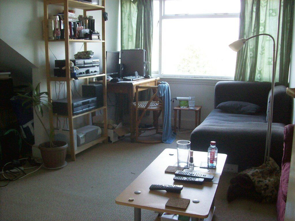 Crouch End/Stroud Green, N4 4ED-Excellent Very Large 1 Bed Flat on 2 Floors. Fantastic value!