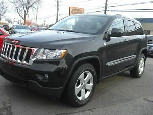2011 Jeep Grand Cherokee Laredo 4WD *Sunroof / Leather*