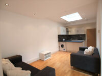 Large 3 bed with outside space within walking distance to Finsbury Park.