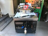 KITCHEN FRIED CHICKEN CHICKEN PRESSURE FRYER CANMAC MODEL ELECTRIC 1 PHASE CATERING COMMERCIAL