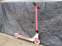 Djbug scooter in very good condition! Fully working! Can deliver! Thank you.