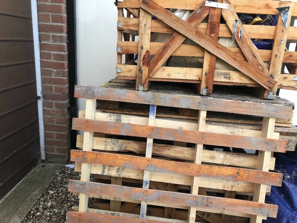 Large Wooden Crate and pallets | in Thatcham, Berkshire ...