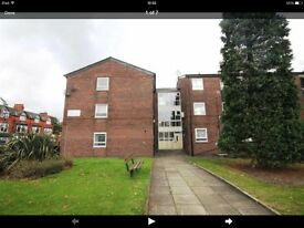 SPACIOUS SECOND FLOOR 2 BEDROOM FLAT OPPOSITE STRETFORD MALL TO LET . PRIME LOCATION!!!!