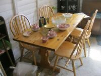 MODERN LONG SOLID PINE TABLE & 4 LARGE PINE CHAIRS. VIEWING/DELIVERY AVAILABLE