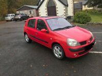 **FOR SALE RENAULT CLIO 2004** £425 OVNO **BRAND NEW MOT & LOW MILES**