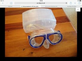 I S T dive mask in very good condition with case