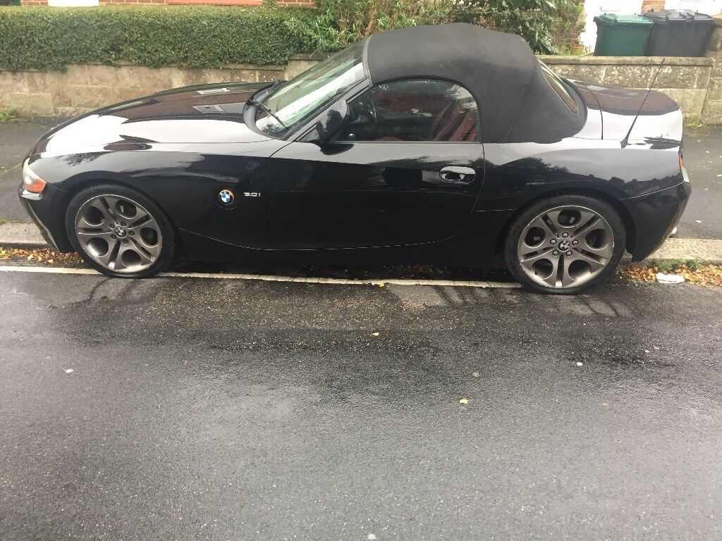 BMW Z4 3.0L SE ROADSTER.