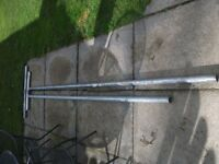 2 STEEL GALVANISED STEEL WASHING POLES + 2 STEEL ENDS FOR ATTACHING TO HOUSE BRAND NEW