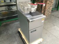 NEW GAS FRYER CATERING COMMERCIAL EQUIPMENT CAFE KEBAB CHICKEN RESTAURANT KITCHEN BBQ TAKE AWAY SHOP