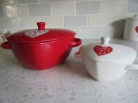 HEART SHAPED CASSEROLE DISHES BY ASHLEY THOMAS AT HOME UNUSED DISCONTINUED
