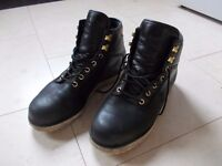 Adidas Mens walking Boots size 8