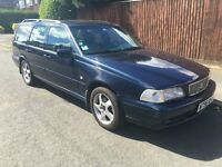 Volvo V70 Estate 2.4SE....5/Speed...Blue Metallic with Grey Leather - Left Hand Drive