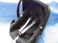 Maxi Cosi Pebble Car Seat - Black - with hood