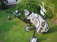 TITLEIST DCI GOLF CLUBS IN BAG WITH TROLLEY