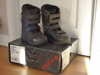 Rossignol Crumb Youth Snowboard Boots - UK size 4