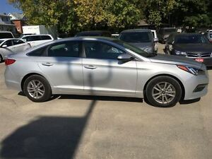 2016 Hyundai Sonata 2.4L GL/ALMOST NEW!/CLEAROUT!!/PRICED FOR A  Kitchener / Waterloo Kitchener Area image 10