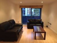 Docklands E16. Large, Light & Modern 3 bed 2 Bath Furnished Flat with Balcony, Concierge + Gym