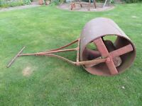 VINTAGE GARDEN ROLLER-IDEAL FOR CRICKET WICKETS TOO AND BOWLING GREENS!!