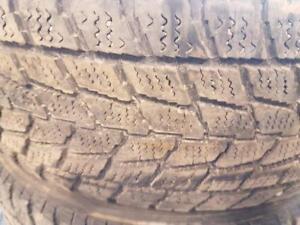 Plus de 150 kits de pneus d'hiver usagés 195/65/15 à partir de 130$.