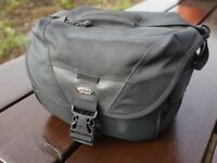 Lowepro-Stealth-Reporter-D100-AW-Camera-Shoulder-Bag