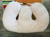Twin Z 6 in 1 nursing pillow