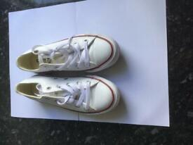 Converse White All Star Low Canvas Trainers Size3 - NEW
