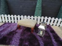 CREAM SOLID WOOD FOOTSTOOL WITH QUEEN LEGS IN VERY GOOD CONDITION 42/32/27 cm £15