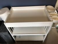 Ikea gulliver changing table with storage containers