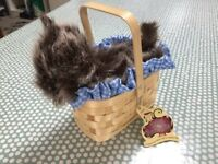 WIZARD OF OZ TOTO IN BASKET-£6 ONO